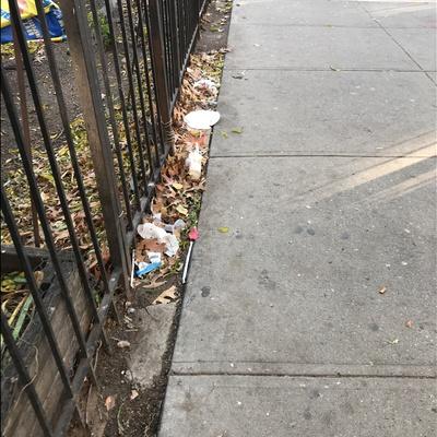 Trash near El Gallo Social Club Inc., East 118th Street, East Harlem, Manhattan Community Board 11, Manhattan, New York County, New York, 10035, United States of America