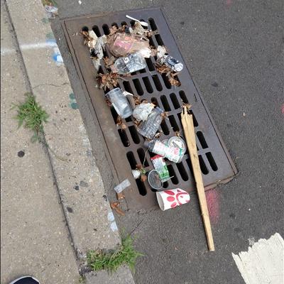 Trash near Public School 171, 30th Avenue, Astoria, Queens, Queens County, New York, 11102, USA