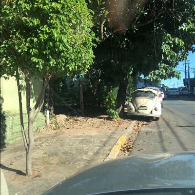 Trash near Rua Rui Barbosa, Da Goiabeira, Cuiabá, Microrregião de Cuiabá, Mesorregião Centro-Sul Mato-Grossense, Mato Grosso, Central-West Region, 78032-035, Brazil