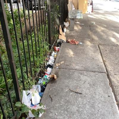 Trash near 1901 Lexington Avenue, New York