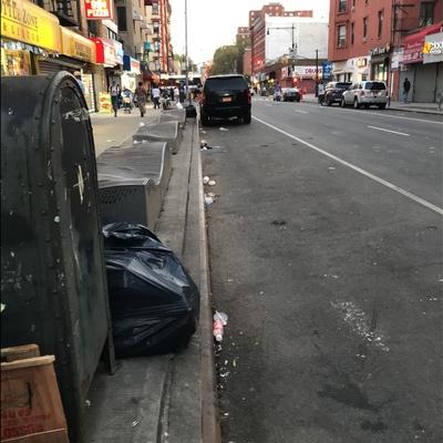 Trash near USPS, Lexington Avenue, East Harlem, Manhattan Community Board 11, Manhattan, New York County, New York, 10037, USA