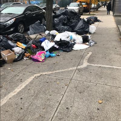 Trash near Public School 147, West 117th Street, East Harlem, Manhattan Community Board 10, Manhattan, New York County, New York, 10026, United States of America