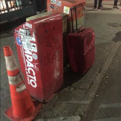 Trash near Napolitano Pharmacy, Metropolitan Avenue, Williamsburg, Kings County, New York City, New York, 11211, USA
