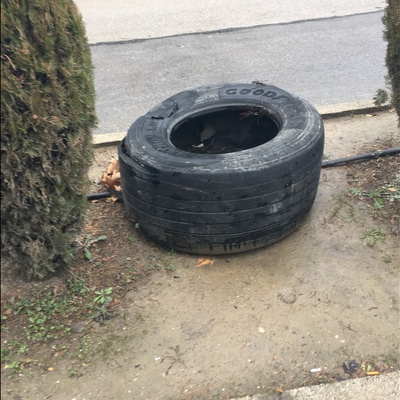 Trash near TOFAŞ Türk Otomobil Fabrikası, İstanbul Caddesi, Panayır, Panayır Mahallesi, Osmangazi, Bursa, Marmara Region, 16370, Turkey