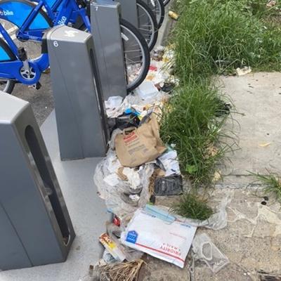 Trash near 200 East 118th Street, Manhattan Community Board 11